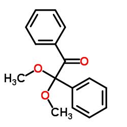 2,2-Dimethoxy-2-phenylacetophenone